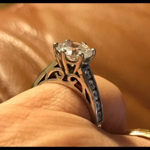 Jewelry - Sterling Silver Ring CZ Sz 5